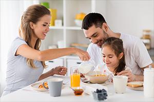 """Lucía, mi pediatra: """"Muchos padres consideran saludables hábitos que en realidad no lo son""""."""